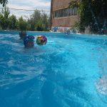 Мой любимый вид спорта - плавание.
